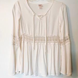 White closely bell sleeve peasant top